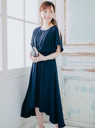 [M] アクセサリー付フレア袖ロングワンピース