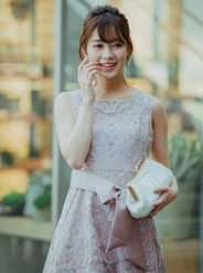 [M] ノースリーブサッシュベルト付きコード刺繍フレアワンピース ピンク