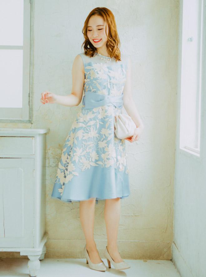 [M] ノースリーブリーフ刺繍チュールワンピース ブルー
