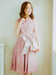 【レンタル】[M] サッシュベルト付きノースリーブ2WAY刺繍ワンピース ピンク