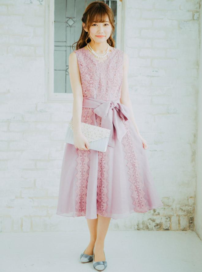 【レンタル】[M] サッシュベルト付きノースリーブ縦ライン花柄刺繍ワンピース ピンク
